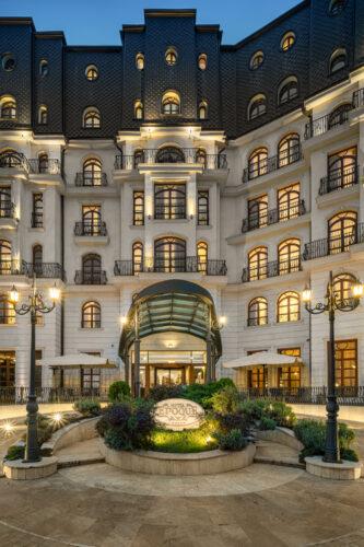 Hotel Epoque.dng-